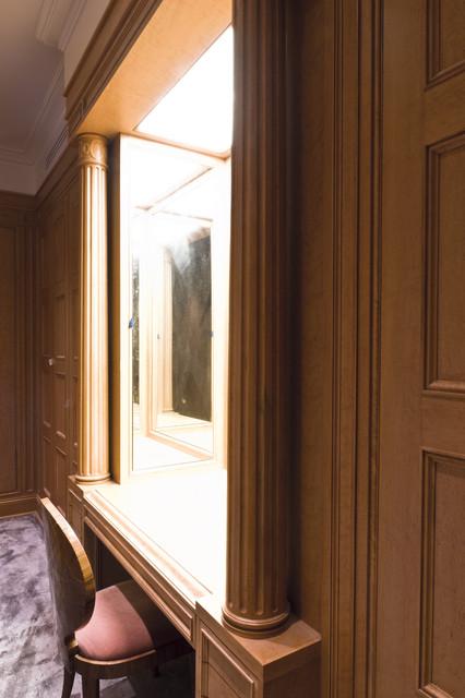 Manhattan Closet traditional-closet