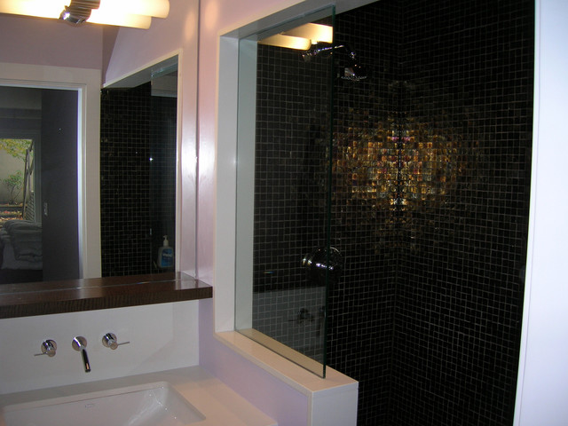Bathrooms & Laundry Rooms