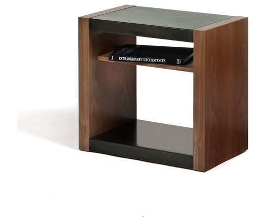 THE VERVANO TAYLOR SIDE TABLE -