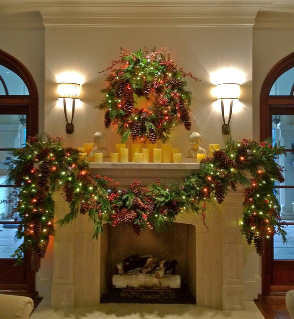 Holiday Decor: Holiday Mantle Garland traditional-holiday-decorations