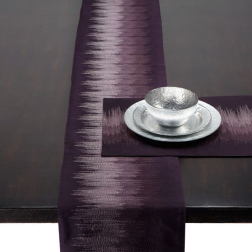 Strie Runner amp Placemats Plum Modern Tablecloths  : modern table linens from www.houzz.com size 500 x 500 jpeg 32kB