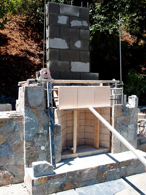 Building An Outdoor Fireplace Wood Or Cinderblock