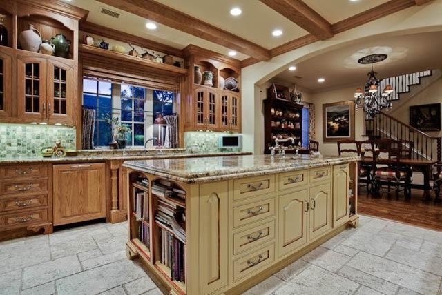 MICHAEL MOLTHAN LUXURY HOMES traditional-kitchen