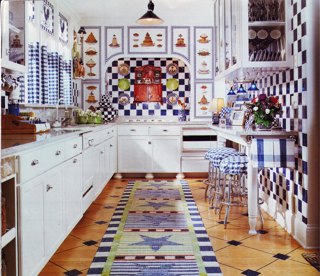 Kitchen Cabinets Custom treatment traditional-kitchen-cabinetry