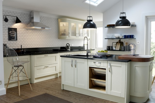 Wren Kitchens Shaker Alabaster Timber