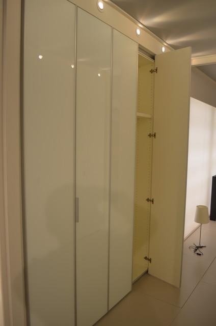 Italian Kitchens - COMPOSIT CUCINE Showroom modern