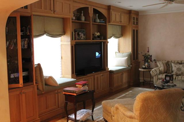 Quarter sawn white oak built-ins traditional-family-room