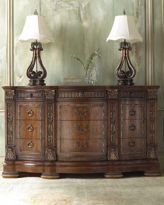 Royalty Dresser traditional-dressers