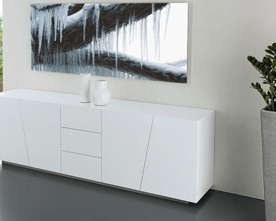 Parigi Sideboard - Sideboard with wooden or lacquered wood doors opening thanks the push system. Option with 3 drawers in wood or lacquered wood. Wooden or lacquered wood frame. Clear tempered glass inside shelves. Anodized aluminium base.