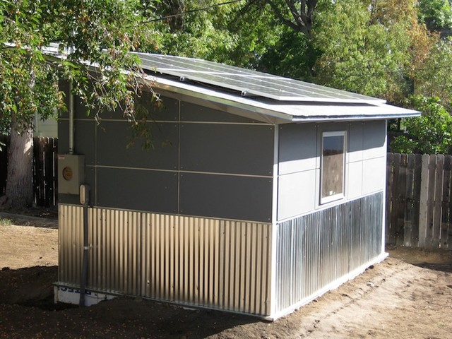 Jeweler's Studio Shed with Solar: Studio Shed Lifestyle modern