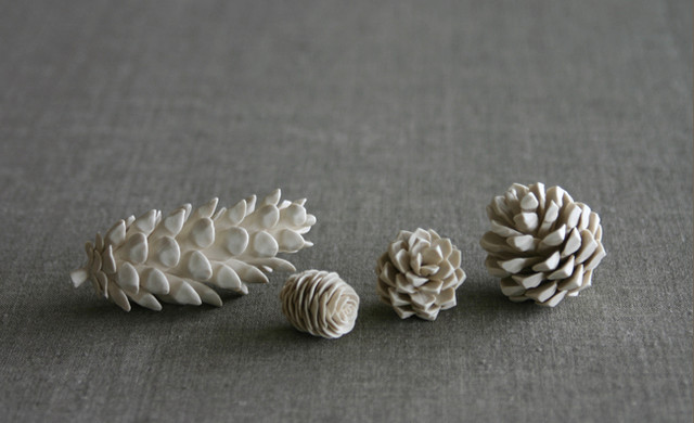 White Pine Cones traditional-christmas-decorations