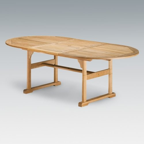 The classic styling of the Oxford Garden Extension Dining Table makes a perfect contemporary outdoor tables