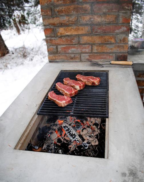Barbecue smoker grill contemporain barbecue salt for Barbecue contemporain exterieur