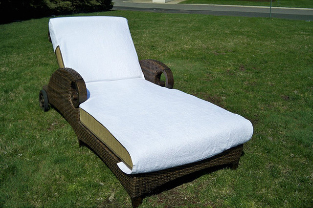Grand Chaise Lounge with Ring spun White Turkish cotton Towel Cover Contemp
