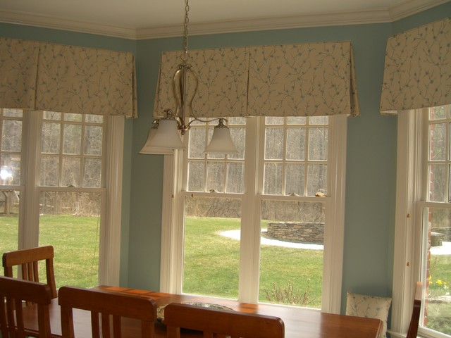 Dining room valance ideas home decoration club for Dining room valance ideas