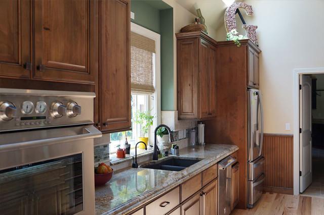Angela Raines Designs traditional-kitchen