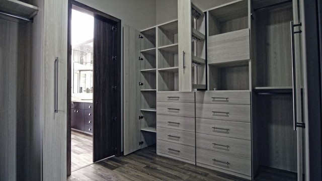 Walk in Closet Vanguardia - Modern - by Vanguardia Closets & Vestidores