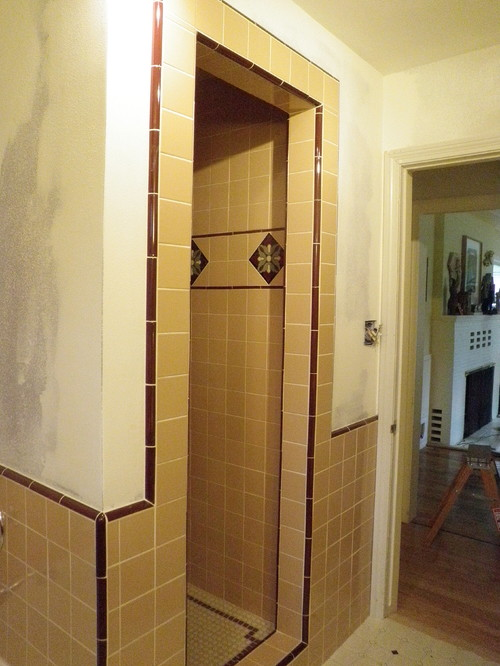 Bathroom Tiles Colour Matching : Need help with paint color for pink and cranberry tile