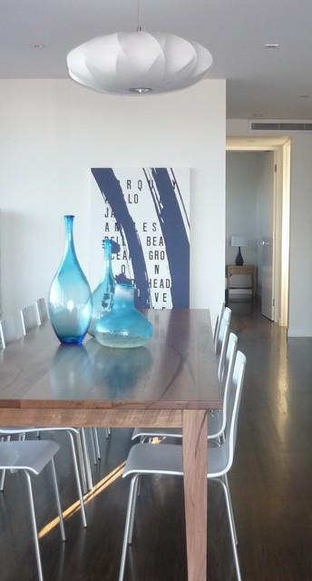 Coastal apartment contemporary-dining-room