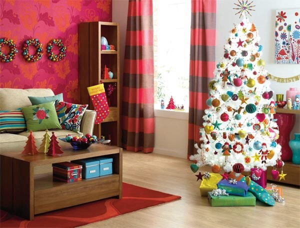 Contemporary Living Room Christmas Decorations