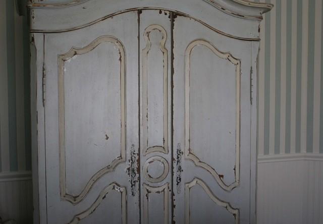 crackle paint over stained wood rockdispf. Black Bedroom Furniture Sets. Home Design Ideas