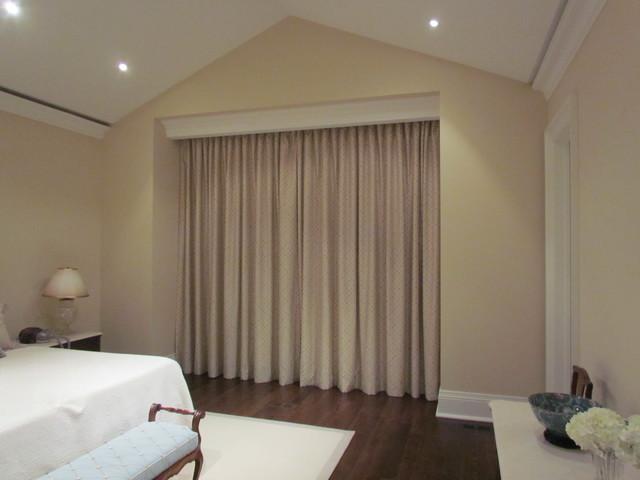 Carmen's traditional-bedroom