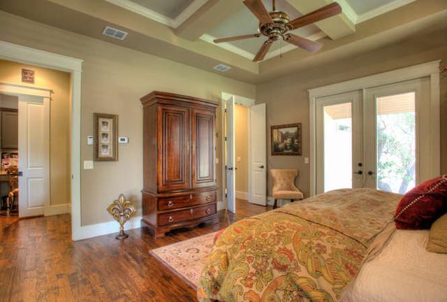 Menger Springs Model traditional-bedroom