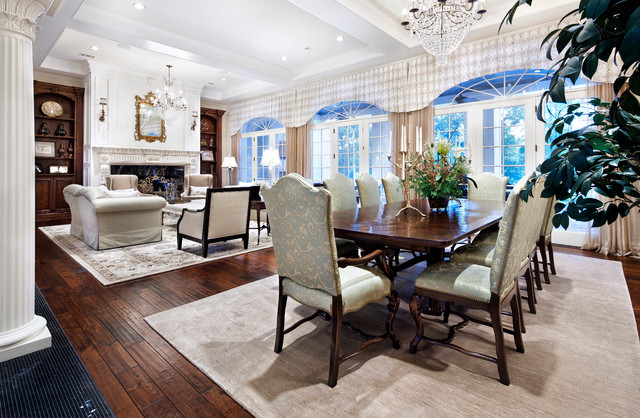 Southern Mississippi traditional-dining-room