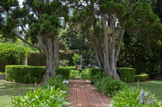 Grace Design Associates traditional-landscape
