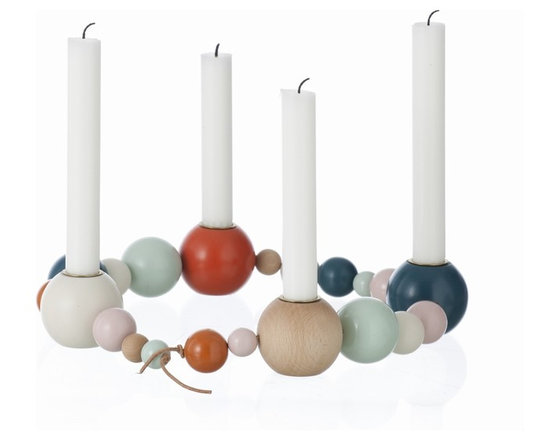 Ferm Living Candleholder String - Design your very own candleholder with the Candleholder String by Ferm Living – you choose the shape. There is room for four candles, so you can even use it for Advent during Christmas time!