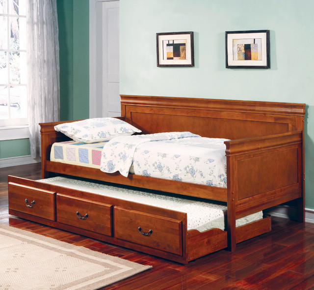 Louis Philippe Twin Size Daybed - Oak traditional-beds