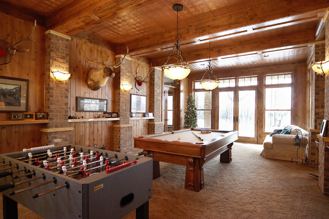 Schmidt Lake Timber Lodge traditional