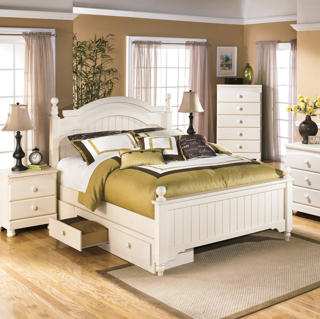 Ashley Cottage Retreat Cream Poster Bed Set With Under Storage Contemporary Quilts And Quilt