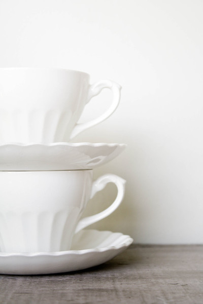 Vintage Ironstone Teacups & Saucers, J&G Meakin Classic White traditional-teacups