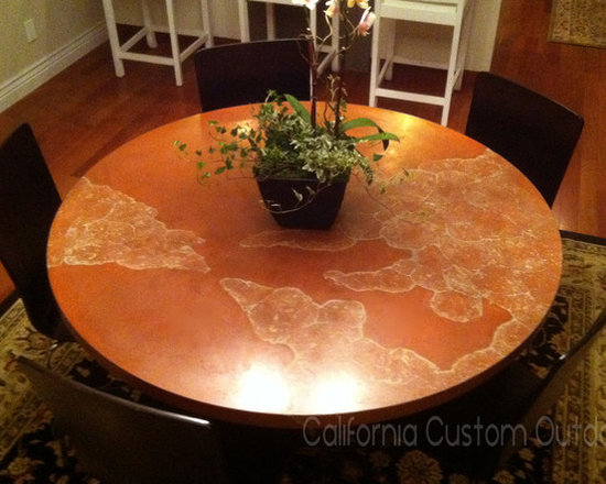 Veined and solid table top -