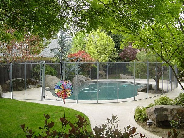 Pool Fence Pictures swimming-pools-and-spas