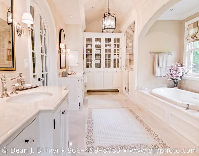 Viscusi Elson Interior Design traditional-bathroom