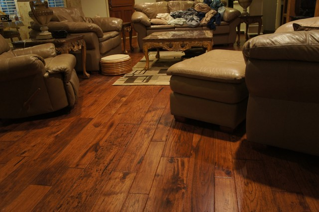 Hardwood flooring traditional living room by hfcentre Carpet or wooden floor in living room