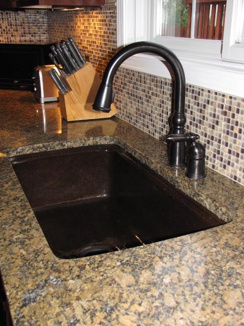 Backsplashes traditional-tile