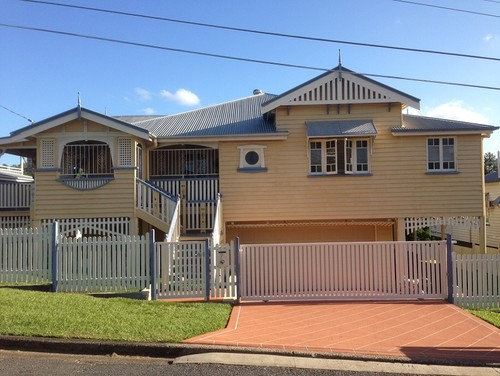 Queenslander Exterior Colours Help