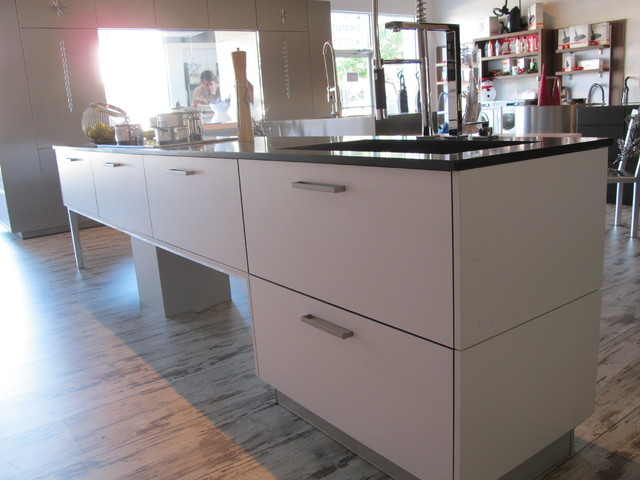 """Display """"MADRID"""" contemporary-kitchen-cabinetry"""