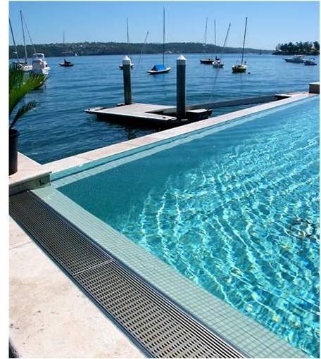 P02 LUXE Pool Wedgewire Linear Drain.jpg
