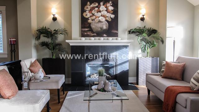 2512: 1067 Jefferson Ave W Van contemporary-living-room