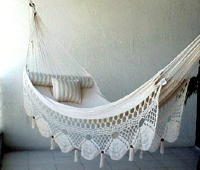 Couples Nicamaka tropical hammocks
