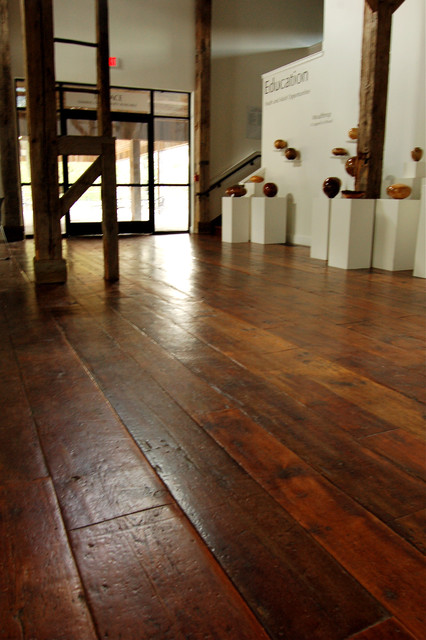 Antique Tobacco Pine, Restoration Face  wood flooring
