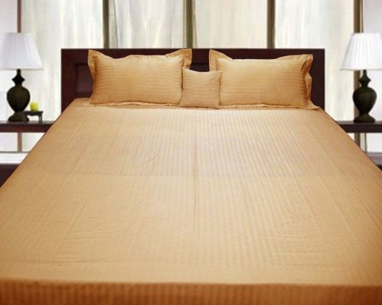 600TC Stripe Gold Flat Sheet & 2 Pillowcases - Redefine your everyday elegance with these luxuriously super soft Flat Sheet. This is 100% Egyptian Cotton Superior quality Flat Sheet that are truly worthy of a classy and elegant look.