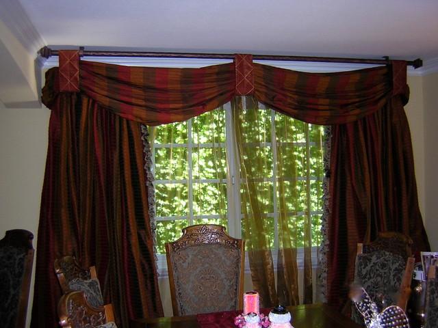 Bergman Residence traditional-dining-room