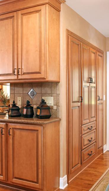 Calvert traditional-kitchen