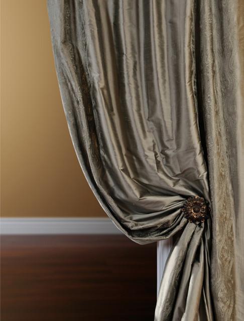 Bellagio Silver Silk Curtain