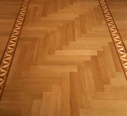 Entry traditional-hardwood-flooring
